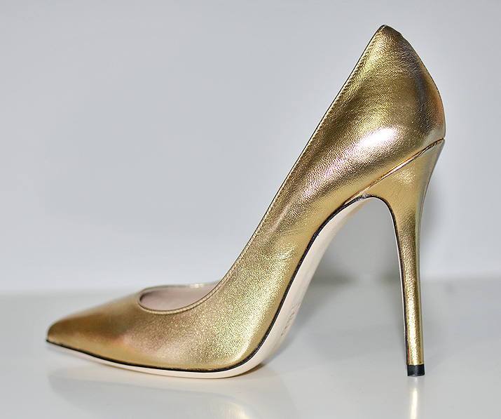 Daniel 'Mustio' gold metallic court shoes