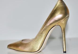 Shoe Review | Daniel 'Mustio' gold pointed pumps