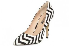 Dorothy Perkins black and white chevron print pumps