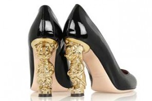 Unusual Shoes Tuesday | RED Valentino Snow White Disney patent-leather pumps