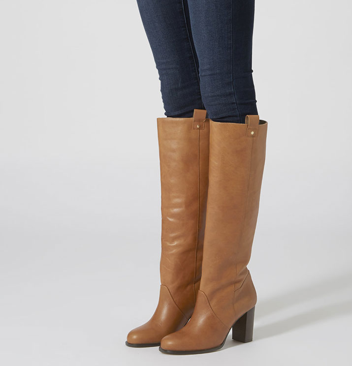 knee boots with skinny jeans