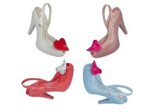 elissa Ultragirl heart shoes
