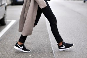 shoe trends: black and white sneakers