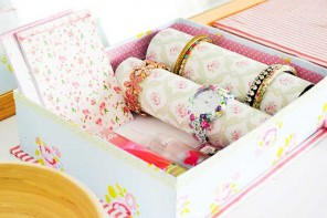 turn a shoebox into a jewellery box