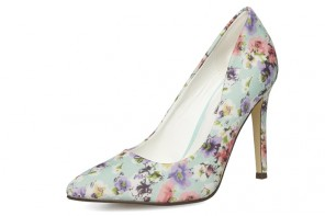 Dorothy Perkins mint floral court shoes / Little Mistress cream lace dress