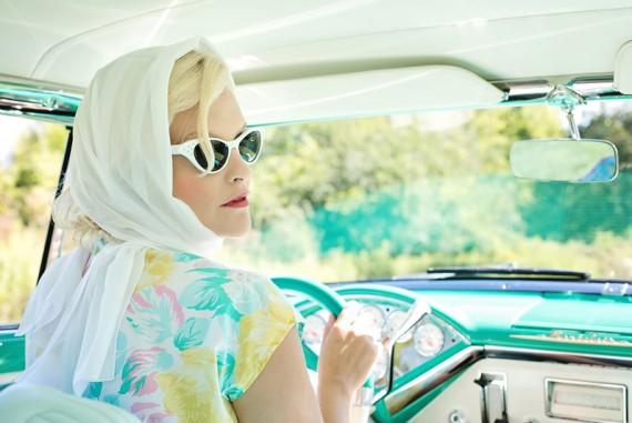 how to look glamorous without any effort