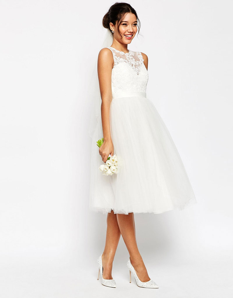 3 knee length wedding dresses for brides on a budget for Knee length fitted wedding dresses