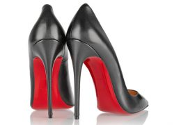 should women have to wear high heels to work?