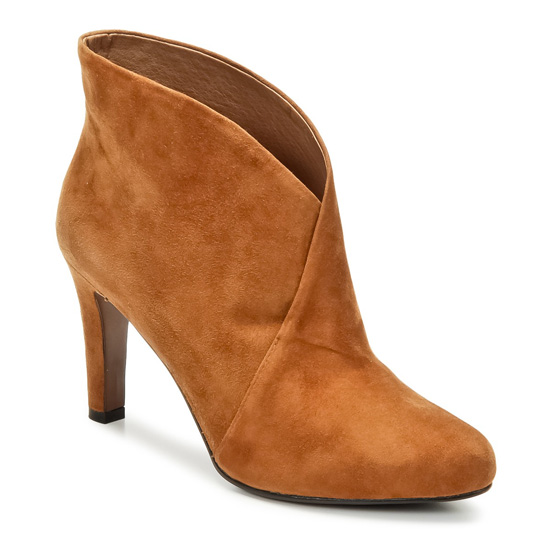 Shoeper Shoesday: All About the Ankle Boot