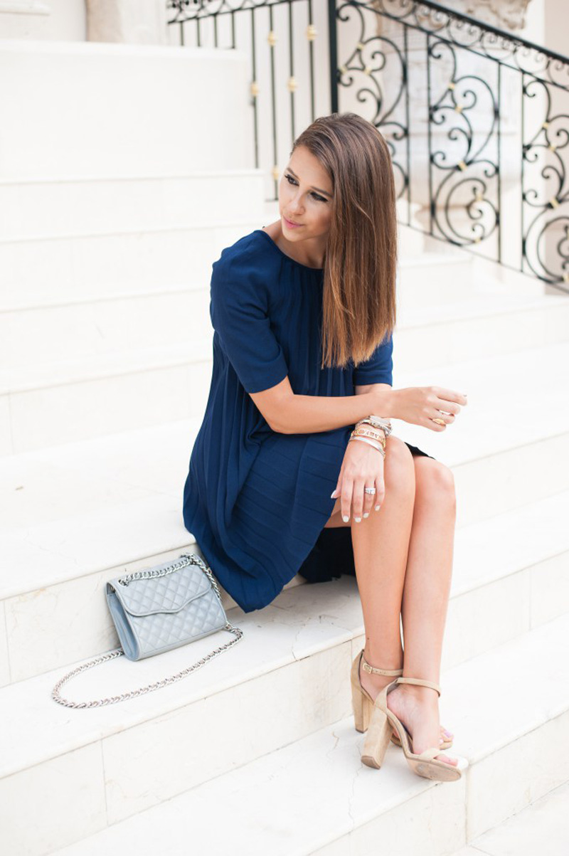 navy dress with nude strappy sandals
