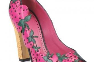 Maoschino strawberry shoes