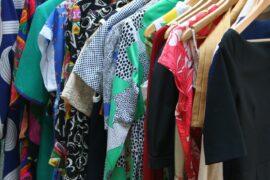 Trzy zalety kupowania ubrań z drugiej ręki